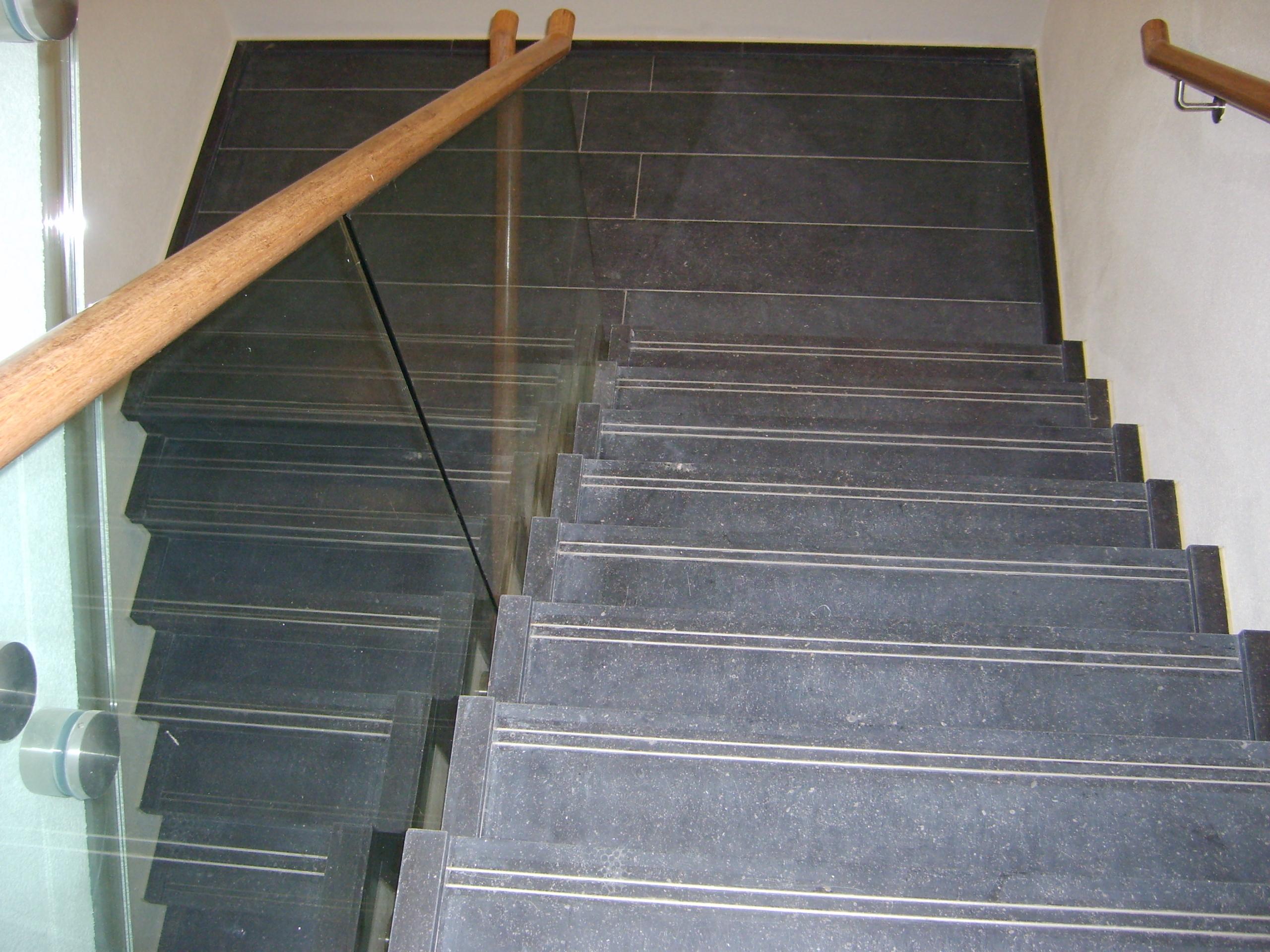 Belgisch Hardsteen trapbekleding